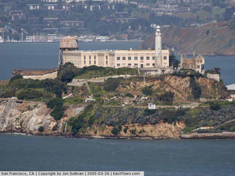 - Alcatraz Island Prison see from Coit tower