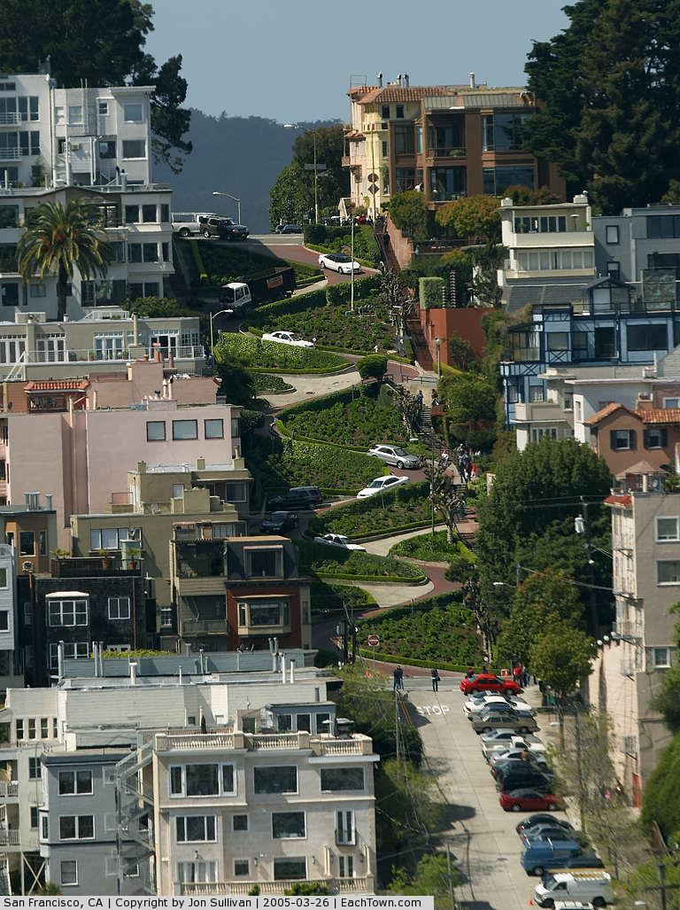 - Lombard Street in San Francisco - America's crookedest street