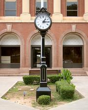 Clock at courthouse (Greer county)